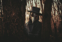 Forest, Nature, Tree, People, Outdoor, Walk, Trees, Plague, Disease, Doctor, Help, Covid-19, Cosplay, Costume, Church, Black, Mask, Raven, Cross, Oppression