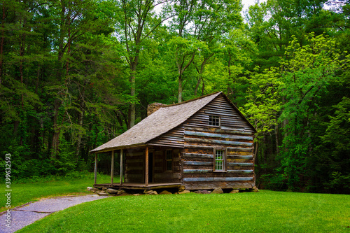 Obraz na plátne Settlers Cabin Cades Cove Valley in The Tennessee Smoky Mountains
