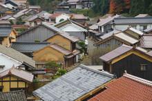 高台から見る石見銀山の街並み
