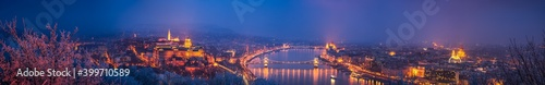 Obraz Panorama of Budapest at dusk overlooking Chain bridge and Parliament. Hungary - fototapety do salonu