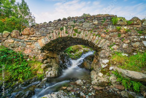 Fototapeta Ashness Bridge above Derwent Water in the Lake District National Park in Cumbria