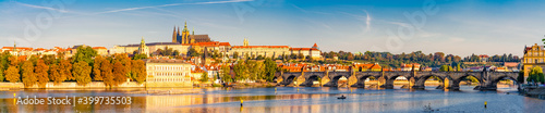 Charles bridge and Prague castle in Prague,Czech Republic Fotobehang