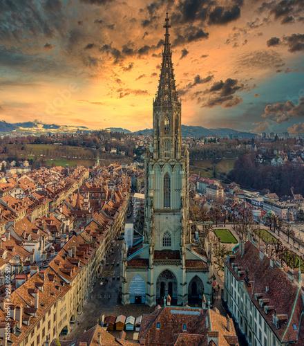 Bern Münster Altstadt Frontaufnahme in Abend Stimmung Poster Mural XXL