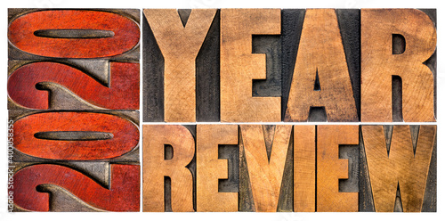 Foto 2020 year review banner - annual report, review or summary of the recent year -