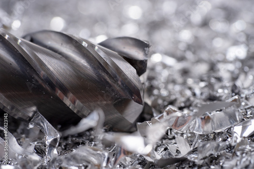 Valokuvatapetti Silver end mill cutter with metal shavings