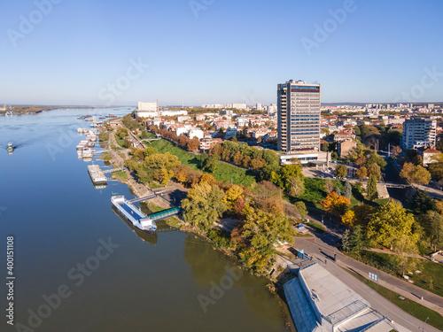 Cuadros en Lienzo Danube River and City of Ruse, Bulgaria
