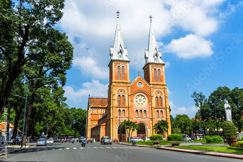Obraz na plátně Saigon Notre Dame Cathedral, built in the late 1880s by French colonists, is most famous church in Ho Chi Minh City, Vietnam