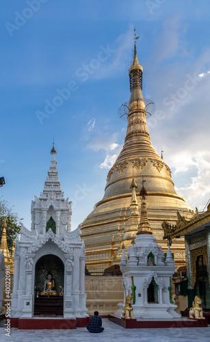 Foto Pagode Botataung à Yangon, Myanmar