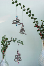DIY Christmas Decorations Made Of Felt, Strings And Beads