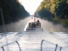 Boats On CanalÔøΩentreÔøΩChampagneÔøΩetÔøΩBourgogne