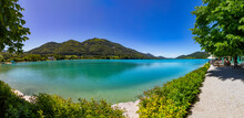 Austria, Salzburg, Fuschl Am See, Promenade Along Lake Fuschl In Summer With Filbling In Background