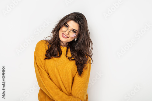 Canvas Smiling young brunette woman girl in eyeglasses