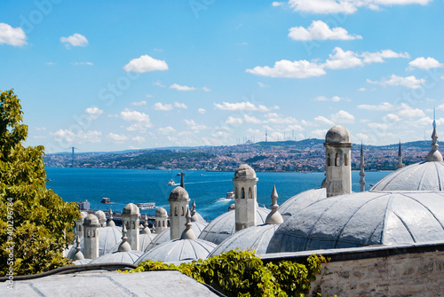 Canvas Print A view of Istanbul and the Bosphorus from the observation deck at the Suleymaniye Mosque