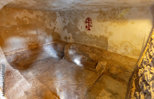 Tablou Canvas Burial chamber Interior of Garden Tomb considered as place of burial and resurre