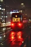 Fototapeta Londyn - Tramwaj Na Ulicach Miasta