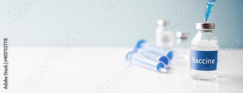 A single bottle vial of Covid-19 vaccine Fototapete
