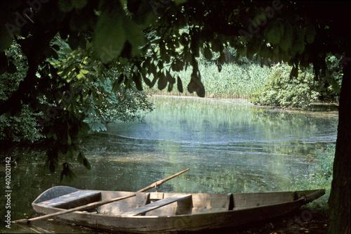 Obraz na plátně Kahn am Ufer