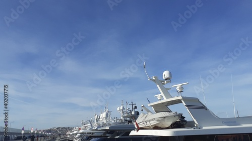ship in the harbor Fototapete