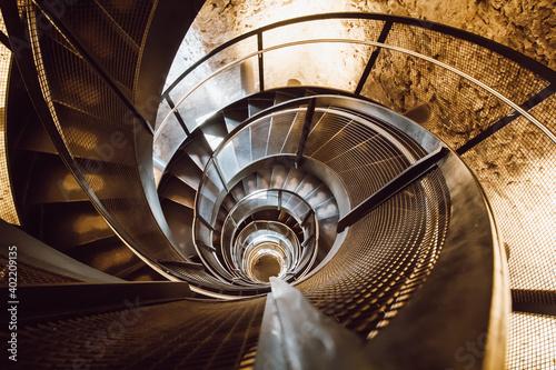 Fototapeta Wendetreppe in einem Turm