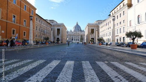 The Papal Basilica of Saint Peter in the Vatican Fotobehang