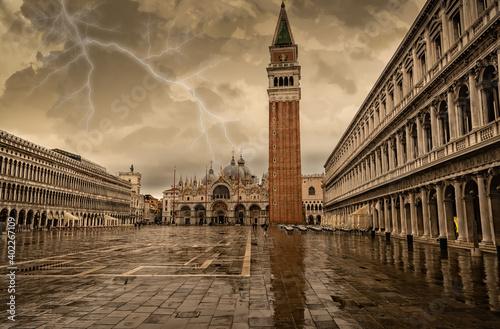 Tela Stormy and rainy day over St. Mark's Square, Venice. Italy.