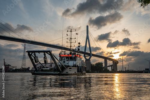 Fototapeta premium Köhlbrandbrücke in Hamburg