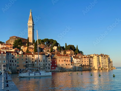 Rovinj Istrien Kroatien Adria Mittelmeer Altstadt mit Kirche und Kirchturm der Hl Wallpaper Mural
