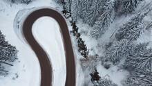 Strada Di Montagna Dall'alto Tornante Inverno Drone Strade