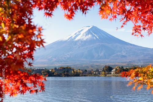 Fototapety, obrazy: Fuji Mountain and Red Maple Leaves in Autumn at Kawaguchiko Lake, Japan