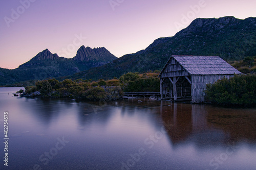 Vászonkép boathouse at cradle mountain national park
