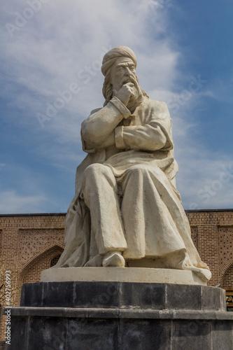 Fototapeta ARDABIL, IRAN - APRIL 10, 2018: Sheikh Safi-ad-din Ardabili statue in Ardabil, I