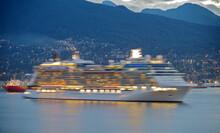 Blurred Celebrity Cruises Kreuzfahrtschiff Celebrity Solstice Arrives Into Port Of Vancouver, Canada From Alaska Cruise