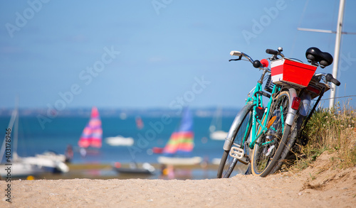 Canvastavla Balade à vélo sur le littoral français en Bretagne.