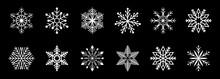 Weiße Frostige Abstrakte Schneeflocken Symbole Auf Einem Schwarzen Hintergrund.