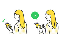 スマートフォンをチェックする女性のイラスト素材