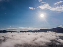 Foto Sobrevolando Nubes