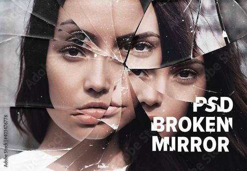 Obraz Broken Mirror Photo Effect - fototapety do salonu