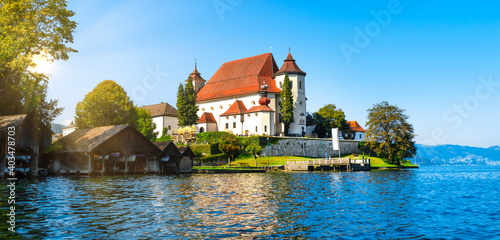 Stampa su Tela View to the monastery in Traunkirchen am Traunsee, Austria