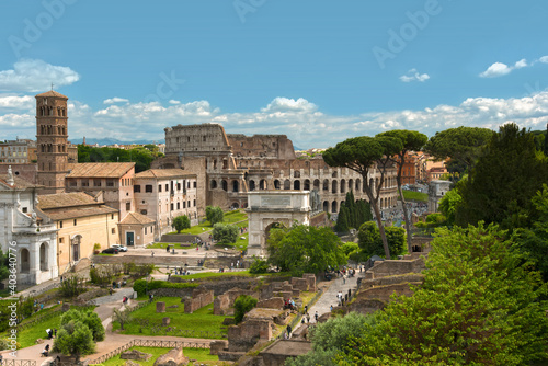 Fotografie, Obraz Panoramic view over the Roman Forum to the Colosseum