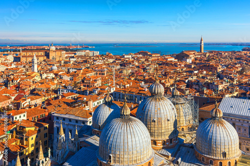Papel de parede Venice panoramic aerial view with red roofs, Veneto, Italy