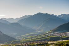 Bellissima Vista Sulle Montagne Vicino A Coredo In Trentino