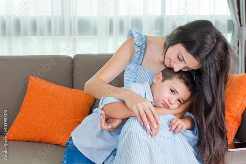 Fototapeta the mother is soothe  kid obraz na płótnie