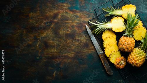 Fototapeta sliced juicy pineapples
