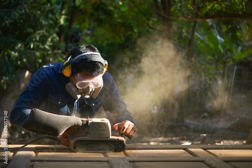 Canvastavla Work carpenter in the carpenter's workshop