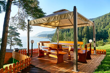 Relaxing Pergola With Wonderful Landscape View