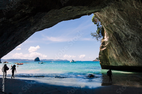 Cathedral Cove, beautiful beach with rocks in New Zealand Fotobehang