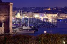 Le Vieux Port De Marseille Vue De Nuit