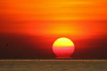 Natural Phenomenon Omega Sunrise, Nature Background
