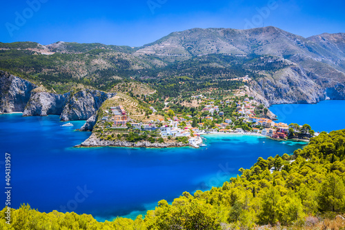 Fototapety, obrazy: Kefalonia, Greece. Colorful village of Assos seen from Assos Castle.