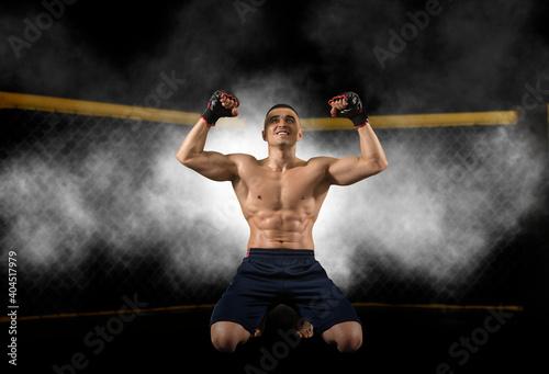 Obraz MMA fighter celebrating win - fototapety do salonu